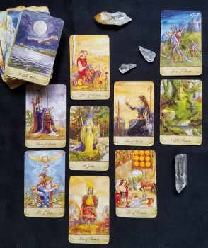 Tarot-In-depth-3-question-reading